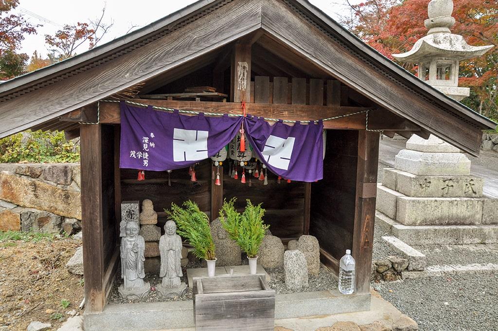 為那都比古神社/地蔵堂