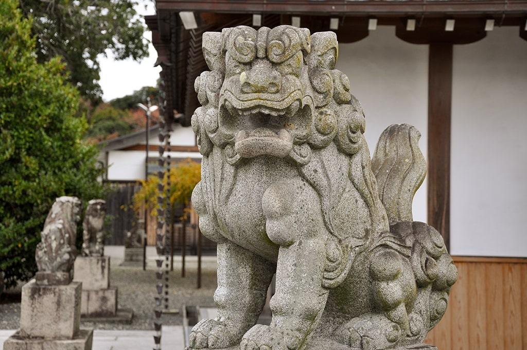 為那都比古神社/西側鳥居の狛犬