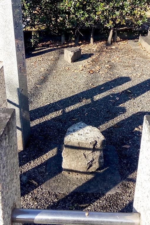楠木神社/何かの跡