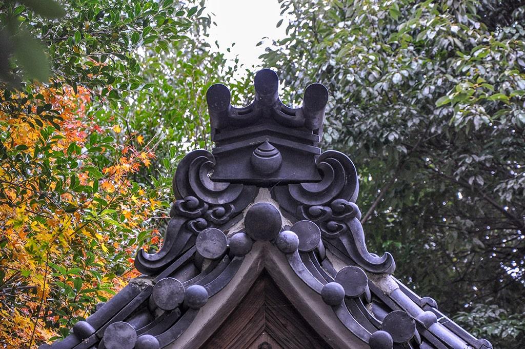 屋敷山稲荷/お社の屋根