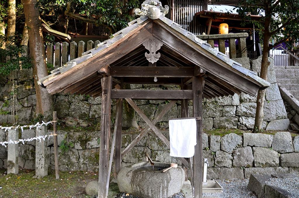 止々呂美神社/手水舎